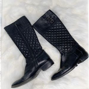 Burberry black quilted boots